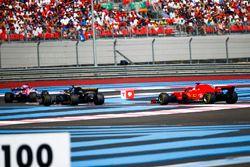 Sergio Perez, Force India VJM11, Nico Hulkenberg, Renault Sport F1 Team R.S. 18 y Sebastian Vettel, Ferrari SF71H