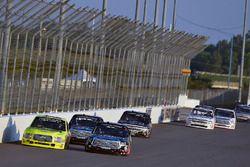Matt Crafton, ThorSport Racing, Ford F-150 Ideal Door/Menards and Noah Gragson, Kyle Busch Motorsports, Toyota Tundra Safelite AutoGlass