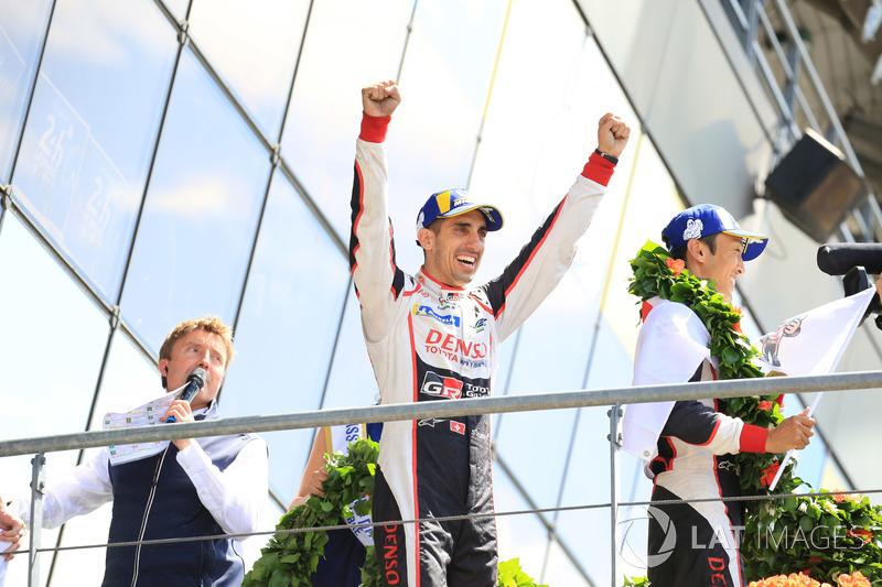 Overall podium: winner Sébastien Buemi, Toyota Gazoo Racing