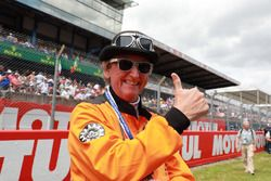 An enthusiastic commissaire