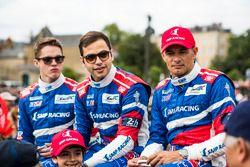 Гонщики SMP Racing Стефан Сарразен, Егор Оруджев и Матевос Исаакян