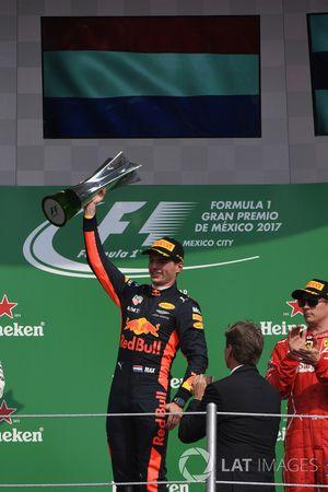 Max Verstappen, Red Bull Racing, viert zijn overwinning