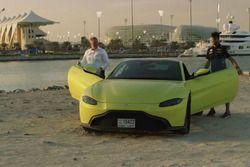 Aston Martin Vantage met Daniel Ricciardo