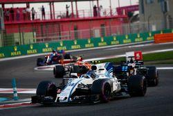 Lance Stroll, Williams FW40, Romain Grosjean, Haas F1 Team VF-17, Stoffel Vandoorne, McLaren MCL32