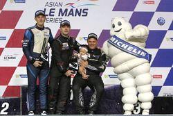 Podium #77 Team NZ Porsche 997 Cup: Graeme Dowsett, John Curran, Will Bamber