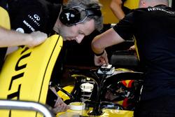 Carlos Sainz Jr., Renault Sport F1 Team R.S. 18 con GPS