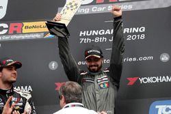 Podium: race winner Francisco Mora, M1RA Hyundai i30 N TCR