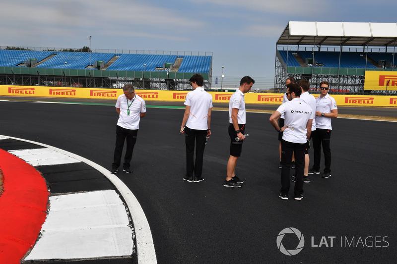Stoffel Vandoorne, McLaren y Gil De Ferran, McLaren