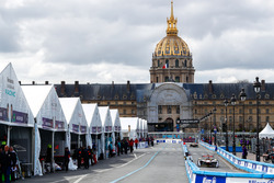 Lucas di Grassi, Audi Sport ABT Schaeffler, leaves the pits