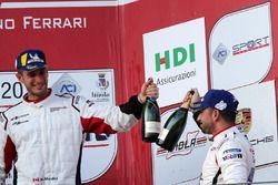 Podio Michelin Cup: Bashar Mardini, GDL Racing e Marco Cassara, Ombra Racing, festeggiano
