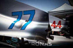De startnummers 44 en 77 op de Mercedes Formule 1-auto's van Lewis Hamilton en Valtteri Bottas