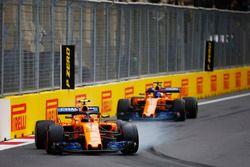 Stoffel Vandoorne, McLaren MCL33 Renault, leads Fernando Alonso, McLaren MCL33 Renault