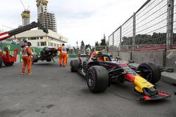 The crashed car of Daniel Ricciardo, Red Bull Racing RB14