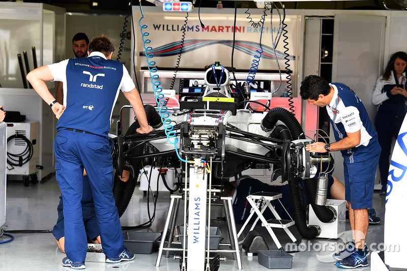 Williams FW40 nel garage