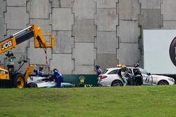 Lewis Hamilton, Mercedes-Benz F1 W08 crash