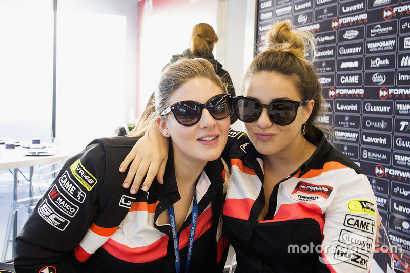 Martina Cuzari e Veronica Del Sole, Forward Racing Team