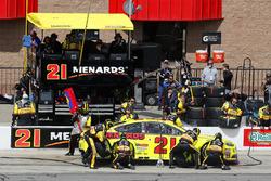 Paul Menard, Wood Brothers Racing, Ford Fusion Menards / FVP pit stop