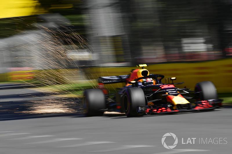 Макс Ферстаппен, Red Bull Racing RB14, іскрить