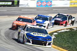 Chase Elliott, Hendrick Motorsports, Chevrolet Camaro NAPA Auto Parts, Daniel Suarez, Joe Gibbs Raci