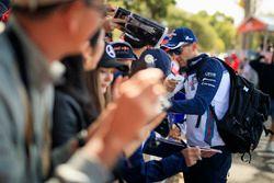 Robert Kubica, Williams rozdaje autografy kibicom