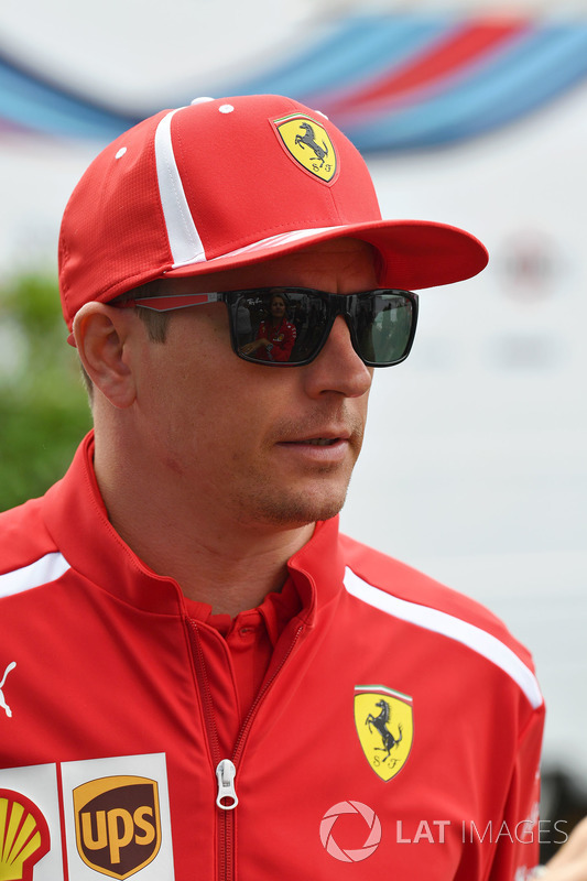 Kimi Raikkonen, Ferrari Daniel Ricciardo, Red Bull Racing