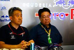 Masashi Yamamoto, General Manager, Honda Motorsport, and Takahiro Hachigo, President, Honda Motors