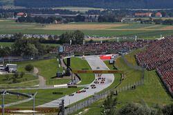Lewis Hamilton, Mercedes-AMG F1 W09 al inicio