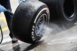Los neumáticos Pirelli son lavados