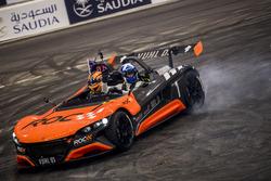 David Coulthard festeggia al volante della VUHL 05 ROC Edition