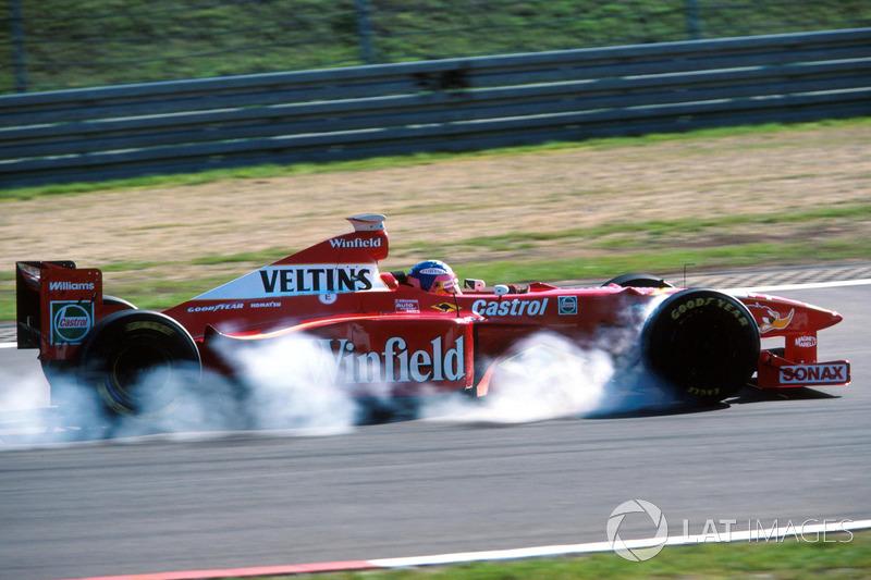 "<img src=""https://cdn-9.motorsport.com/static/img/cfp/0/0/0/0/39/s3/canada-2.jpg"" alt="""" width=""20"" height=""12"" />Жак Вильнёв, Williams(21очко, два подиума)"