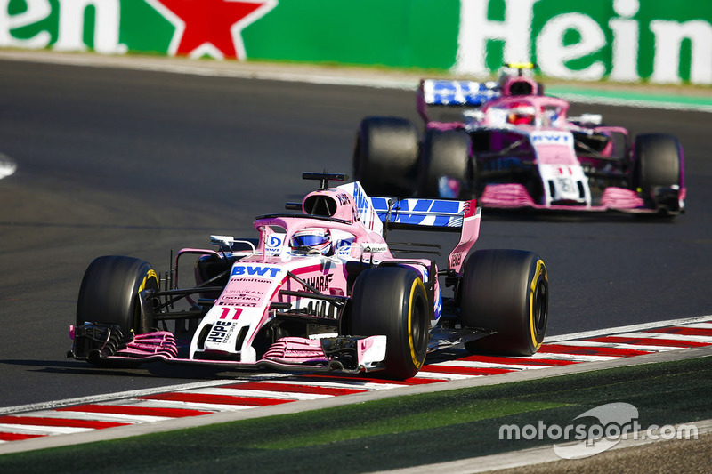 Sergio Perez, Force India VJM11, Esteban Ocon, Force India VJM11