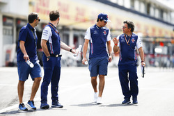 Lance Stroll, Williams Racing, walks the track with Luca Baldisserri, Engineer, Williams F1, and his team