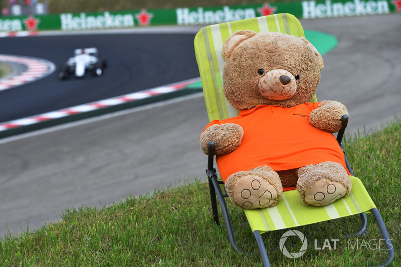 Teddy bear in a deck chair