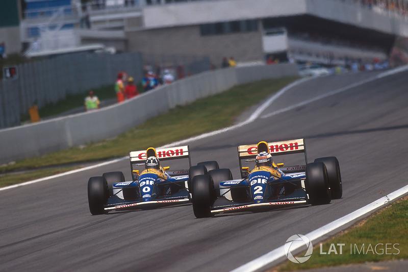 Alain Prost leads Damon Hill, both Williams FW15C Renault's