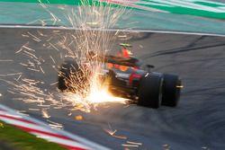 Vonken bij Max Verstappen, Red Bull Racing RB14 Tag Heuer