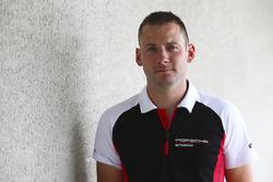 رقم 93 فريق بورشه 911 آر إس آر: باتريك بيلت، نيك تاندي