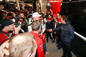Ott Tänak, Toyota Gazoo Racing, mit Fernando Alonso