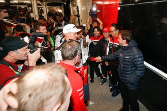 Fernando Alonso meets Ott Tänak, Toyota Gazoo Racing