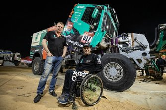 #517 Team De Rooy IVECO: Albert Llovera with Gerard de Rooy