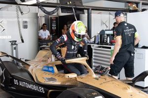 Antonio Felix da Costa, DS Techeetah, DS E-Tense FE20 in the garage