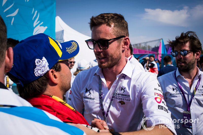 James Rossiter, DS Techeetah development driver congratulates Antonio Felix da Costa, DS Techeetah, 2nd position, after the podium