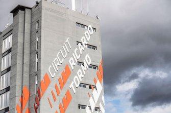 Valencia circuit building