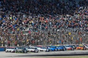 Start zum AAA Texas 500 in Fort Worth: Kevin Harvick, Stewart-Haas Racing, Ford Mustang Busch Beer / Ducks Unlimited, Erik Jones, Joe Gibbs Racing, Toyota Camry Sport Clips