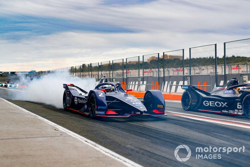 Sam Bird, Envision Virgin Racing, Audi e-tron FE06, burn out in the pit lane