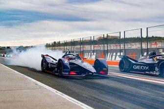 Sam Bird, Envision Virgin Racing, Audi e-tron FE06, fait de la fumée avec ses pneus