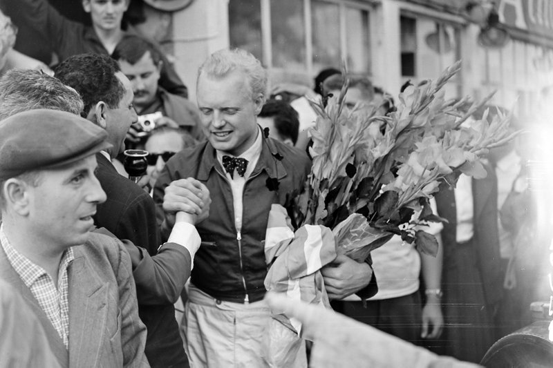 GP de France - Mike Hawthorn, Ferrari, fête la victoire