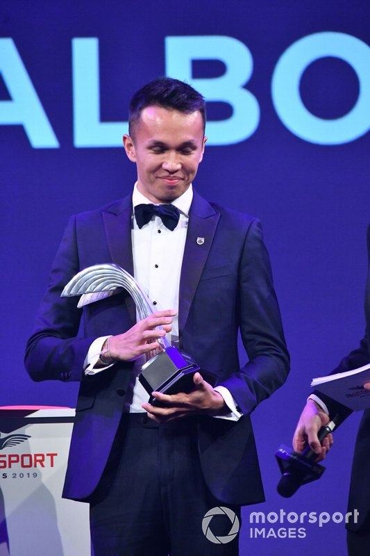 Alexander Albon, Red Bull Racing, vince il Rookie of the Year Award