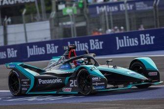 Race winner Mitch Evans, Jaguar Racing, Jaguar I-Type 4