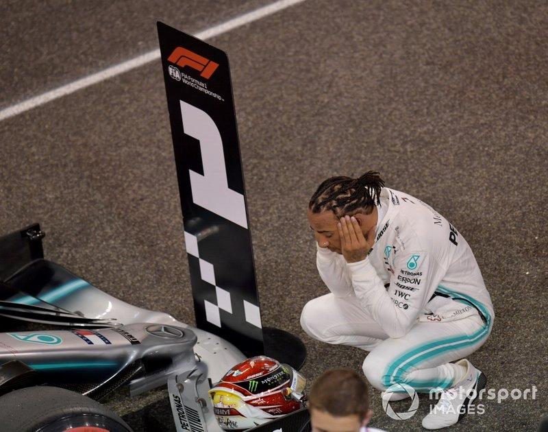 Lewis Hamilton, Mercedes AMG F1, sulla griglia dopo le qualifiche