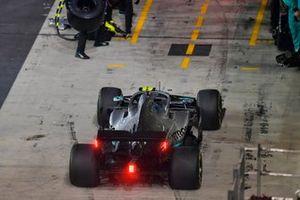Valtteri Bottas, Mercedes AMG W10, enters his pit box